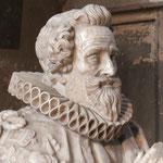 Détail de la statue du Maréchal de Montigny