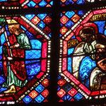 A gauche, résurrection de 2 condamnés à mort et à droite, Jésus annonce à St Jean sa mort prochaine.