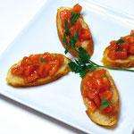 【ブルースケッタ】  ガーリックトーストのトマト添え(有機栽培のフレッシュトマトを使用)