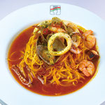 【ペスカトーレ】  たっぷり魚介とトマトソースのパスタ。 夏バテにもどうぞ!