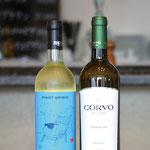白ワイン、スパークリングワインもございます。