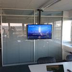 Display Deckenmontage Sitzungszimmer