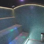 Interior baño de vapor, iluminación por leds.