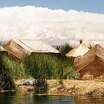 eine Schilfinsel auf dem Titicacasee