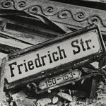 Friedrichstraße, Berlin 1945 - 1946 - © Hein Gorny - Collection Regard