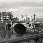 Waisenbrücke, Berlin 1945 - 1946 - © Hein Gorny - Collection Regard