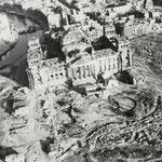 Adolph C. Byers, Hein Gorny - Reichstag, Berlin 1945 - 1946 - Silbergelatineabzug/gelatin silver print - 9,4 x 12,2 cm - © Hein Gorny / A.C. Byers - Collection Regard