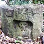 花室城と鼻の大きい石仏めぐりより(御山の石仏)