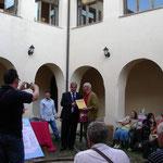 Premiazione al pittore e maestro Raffaele Crovara