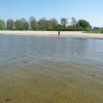 """Blick auf den Sandstrand von Andijk (""""De Vooroever"""")"""