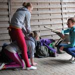 Ulli legt ein Ei und Anna macht ne Runde Ponyreiten auf dem Anika-Tier