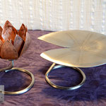 Edelstahlblumen - Kupferseerose (Blüte geschlossen) mit Standfuß aus Edelstahl inklusive Seerosenblatt aus Edelstahl (© Raven Metall Design)