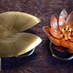 Edelstahlblumen - Kupferseerose mit Standfuß aus Edelstahl inklusive Seerosenblatt aus Edelstahl (© Raven Metall Design)