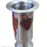 Edelstahl-Weinkühler mit Kupferverzierungen (© Raven Metall Design)