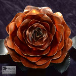 Edelstahlblumen - Edelstahlrose mit Kupferblüte - Detailansicht Kupferblüte (© Raven Metall Design)