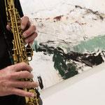 ... wo er mit Bildern aus der Ausstellung in einen musikalischen Dialog trat.