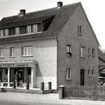 neues Geschäftshaus in der Nittenauer Straße vor dem Ausbau