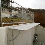 Schutzzaun auf Mauer, als Absturzsicherung