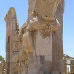 Persepolis. Es ist erstaunlich wie gut die Steinverzierungen erhalten sind.