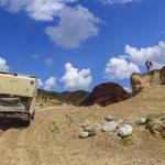 Natürlich sind die Auto's für schlechte Straßen wie hier in Kirgisistan gemacht.