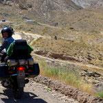 Robert fährt mit dem Moped einmal ums kaspische Meer.
