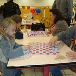 Jeux de dames fabriqués par les enfants cet été