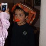 schaut auf Kanervas Handy!!
