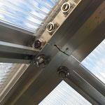 Fixierung der Dachquerstrebe