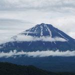 西湖・根場集落からの富士山(2013・6・16)