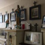 Vue de l'exposition sur la religion