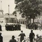 La fanfara del Dopolavoro e i marinaretti. 3 giugno 1934. Inaugurazione della Spiaggia degli Olivi