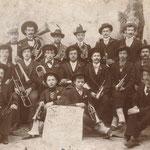 La fanfara della Società dei Lavoratori e Lavoratrici in una foto dei primi del 1900
