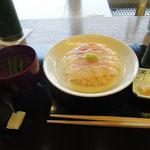 黒酢仕立ての鯛寿司