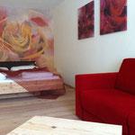 Vitalhotel Rainer, Val d'Ultimo, Alto Adige - pittura su parete e stampe su tela - stanza delle rose