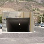Ingresso garage - decorazione delle mura