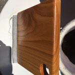Kirschholz-Schneidbrett DIY eingelassen mit frisch-gekräutertem Bio-Olivenöl und ätherischen Ölen