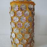 Necessaire aus Wollfilz und Seidenstoff mit Blumen, Höhe 18cm