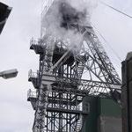 Von Oeynhausen Schacht 1 mit Dampfschwaden aus der Fördermaschine