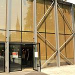 Ausstellung Leibhaftig in der großen Aula der Universität Salburg