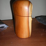 Pfeffermühle Eibe Holz Unikat Einzelstück Gewürzmühle handarbeit design