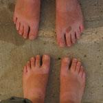DAS sind mal dreckige Füße