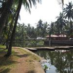 über den Fluß ging es dann ins Kannur Beach House