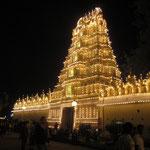 im Palace Gelände sind auch einige Tempel