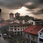 Singapur hat uns mit starkem Regen empfangen