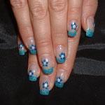 French Glitterblau mit Gel-Blumen
