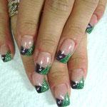 Maigrün Glitter mit lila