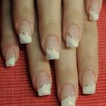 Diamond Touch French mit Glitter und Pailletten