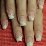 Diamond Touch French mit Glitter und Pailletten