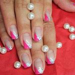 Nailart mit med. weiß und pink flamingo