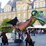 デュカール広場の巨大竜